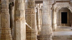 ranakpur-pillars